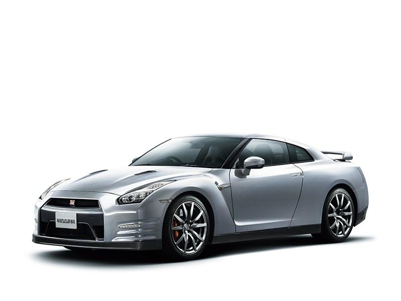 Nissan GTR 2013 вид сбоку 3/4 белая