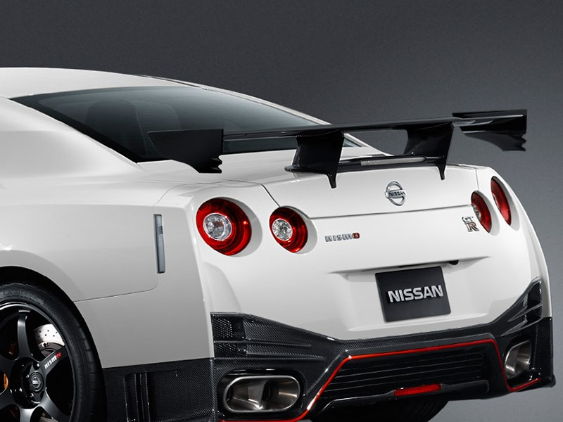 Nissan GTR Nismo 2013 спойлер