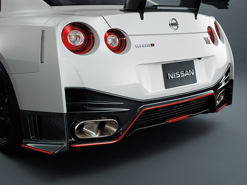Nissan GTR Nismo 2013 задний бампер