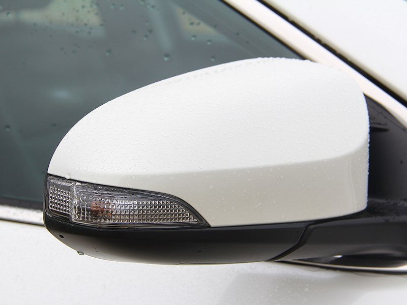 Toyota Camry 2014 повторители поворотников