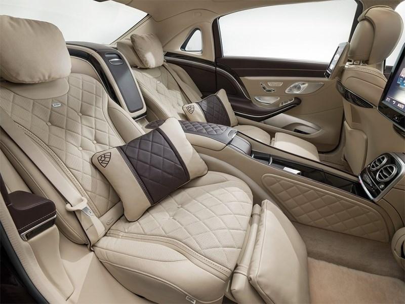 Mercedes-Maybach S 600 2015 задние кресла