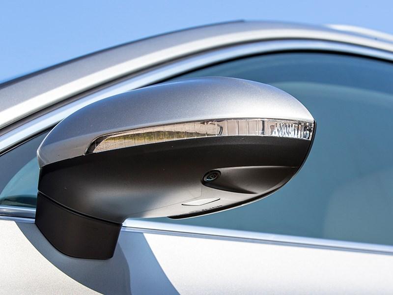 Volkswagen Passat 2015 боковое зеркало