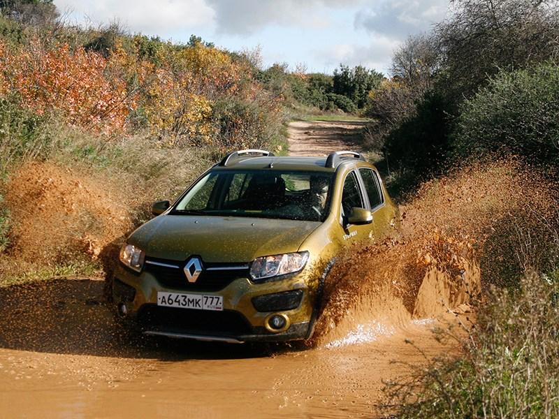 Renault Sandero Stepway 2015 вид спереди