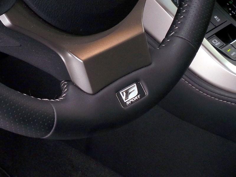 Lexus NX 2014 шильдик