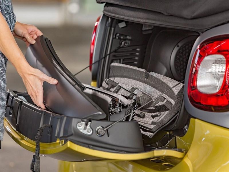 Smart ForTwo Cabrio 2016 багажное отделение