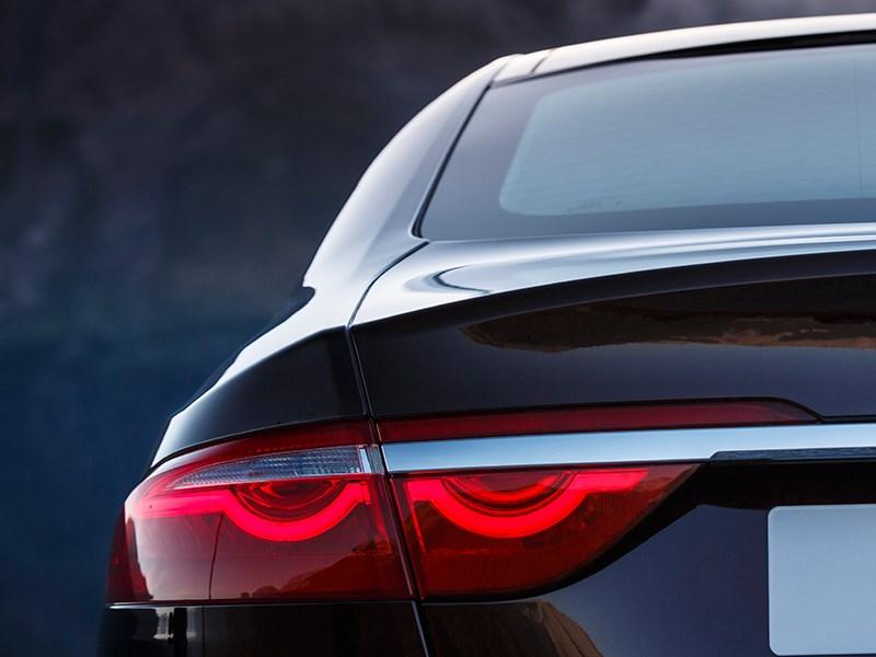 Jaguar XF 2016 задний фонарь