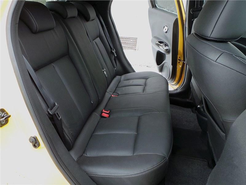 Nissan Juke 2015 задний диван