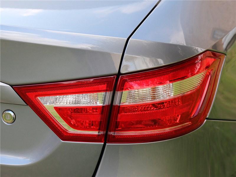 Lada Vesta 2015 задний фонарь