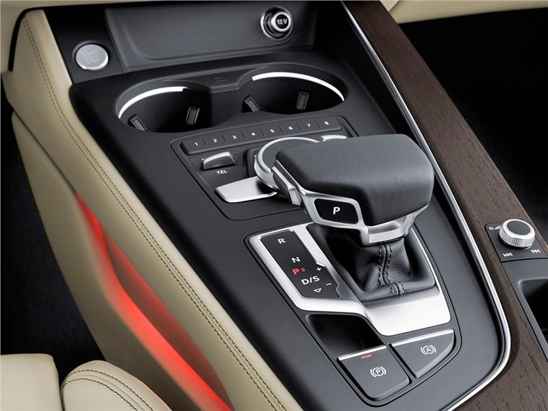Audi A4 2016 центральный туннель