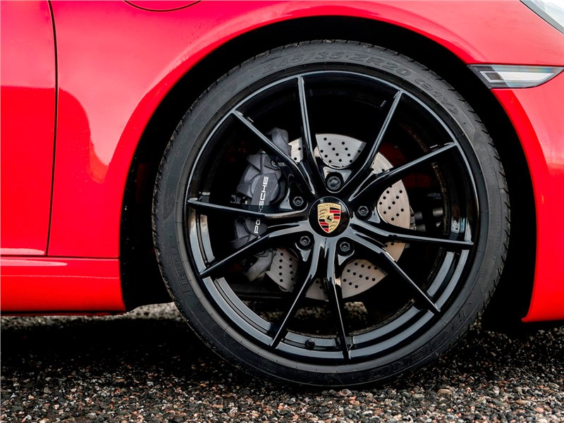 Porsche 911 Carrera S 2016 колесо