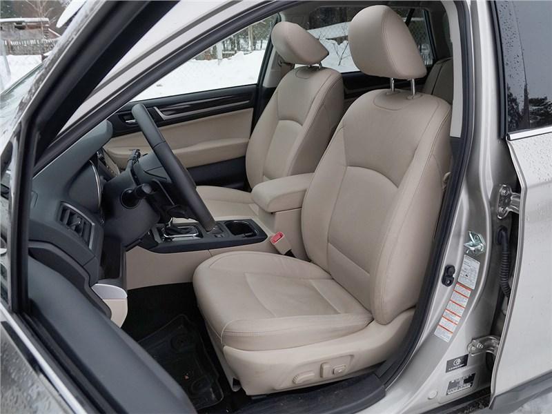 Subaru Outback 2015 передние кресла