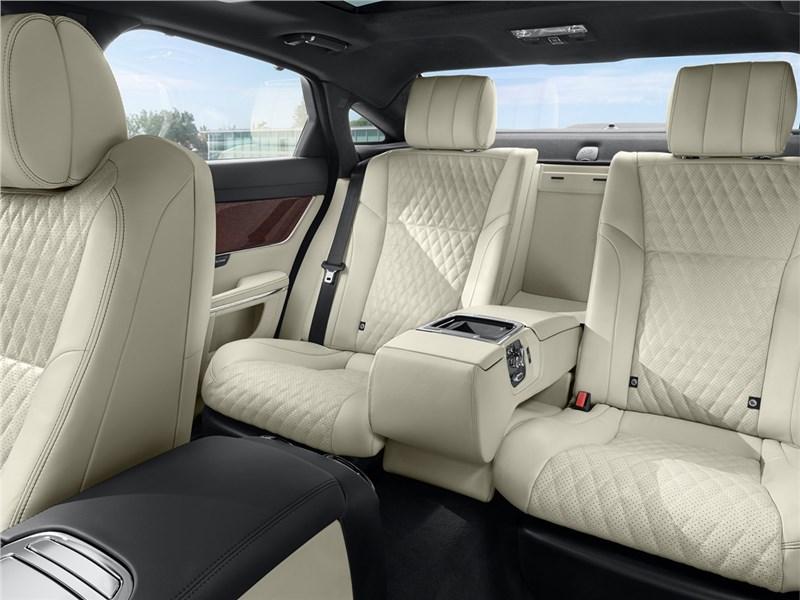 Jaguar XJ 2016 задний диван 2