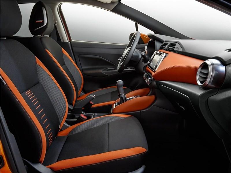 Nissan Micra 2017 передние кресла