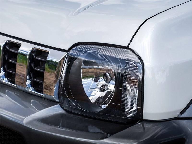 Suzuki Jimny 2013 передняя фара