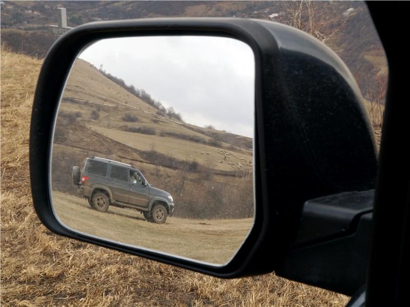 UAZ Patriot 2016 боковое зеркало