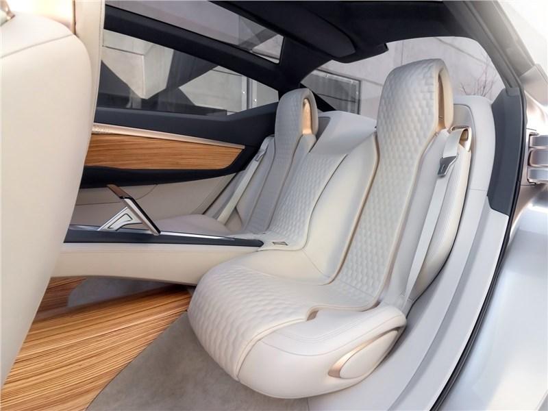 Nissan Vmotion 2.0 Concept 2017 кресла второго ряда