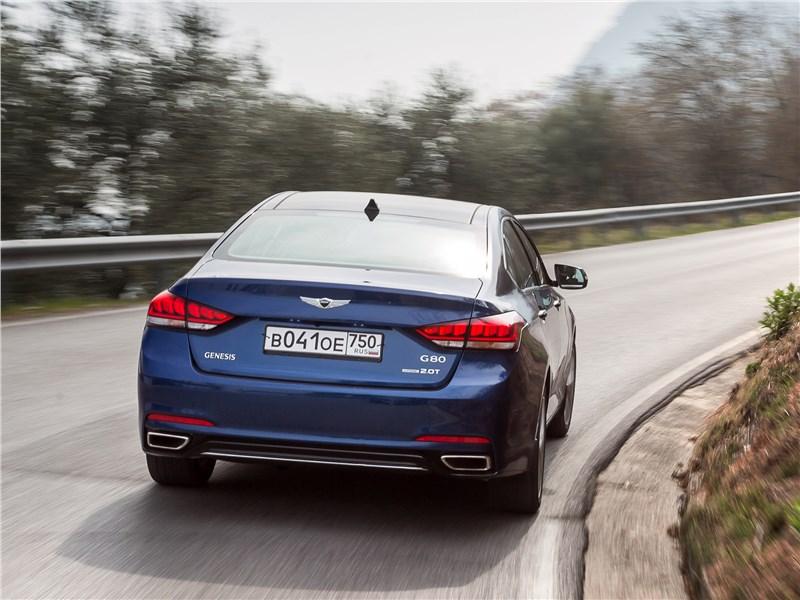 Hyundai Genesis 2017 вид сзади