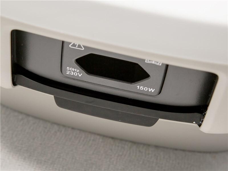 Volvo S90 2016 розетка