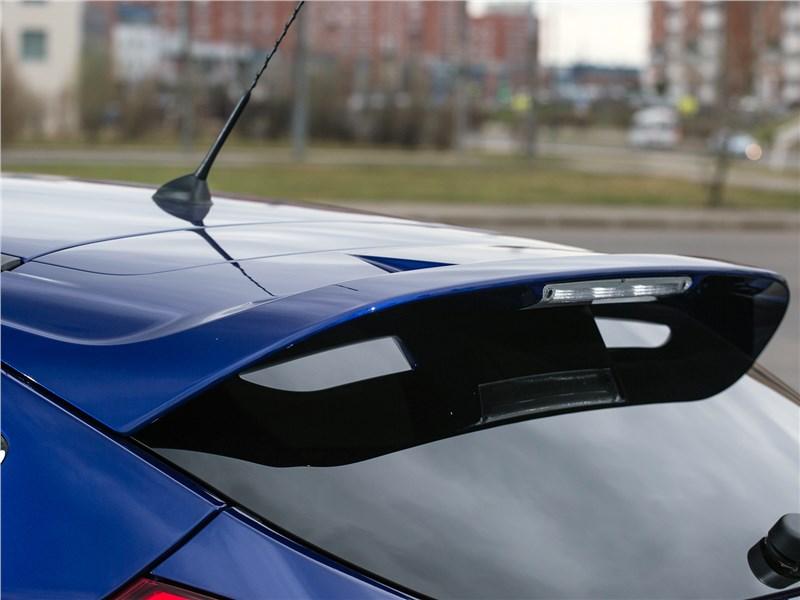 Ford Focus 2014 антикрыло