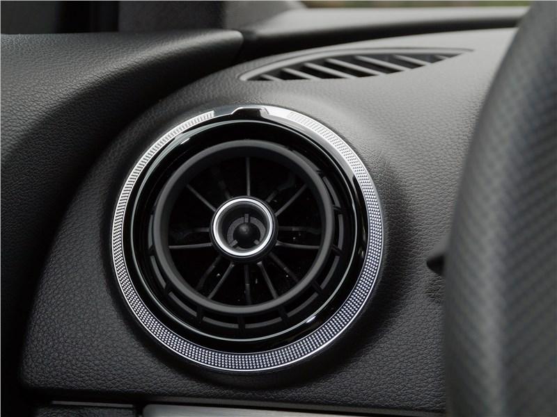 Audi A3 Sedan 2017 воздуховод