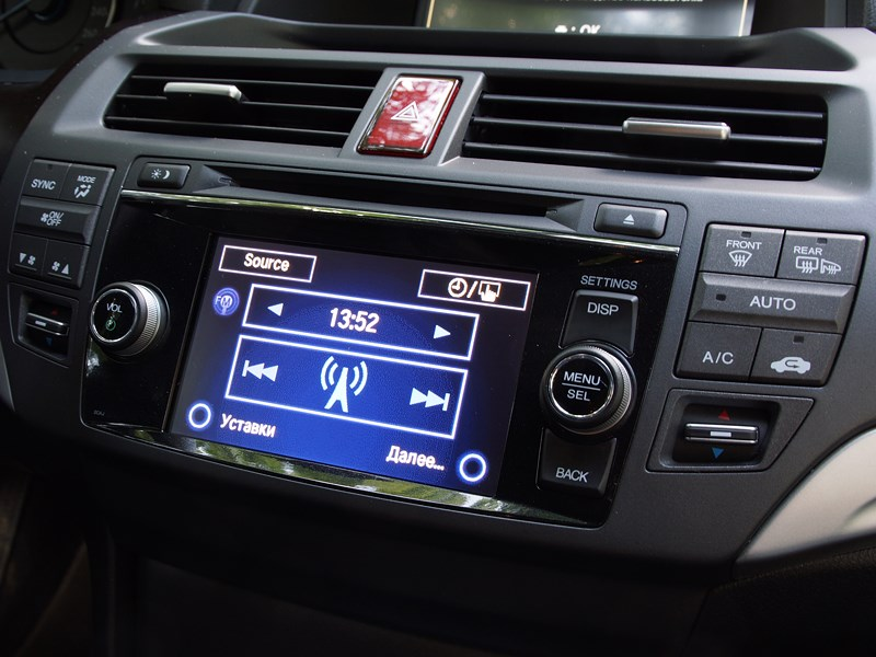 Honda Crosstour 2013 экран аудиосистемы