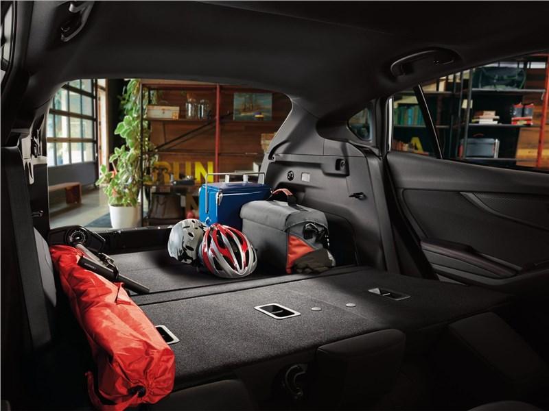 Subaru Impreza 2017 багажное отделение