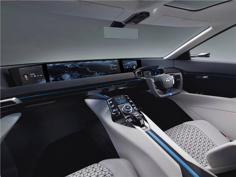 Mitsubishi e-Evolution Concept 2017 салон