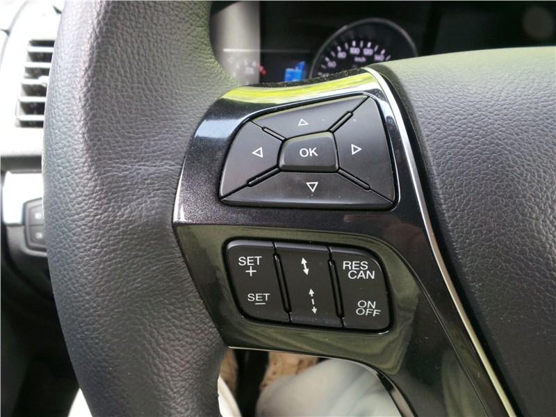 Ford Explorer 2018 руль