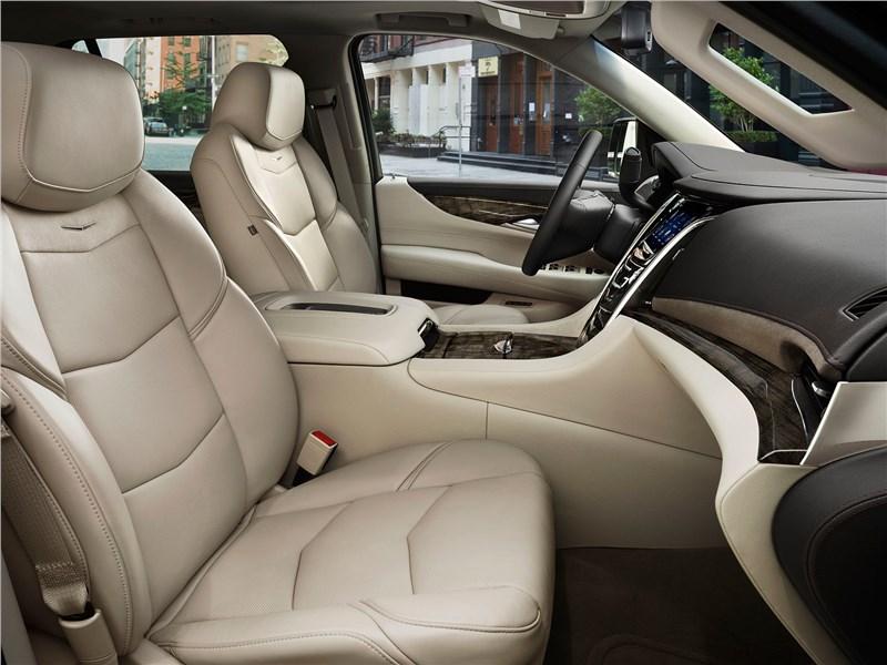 Cadillac Escalade 2015 передние кресла