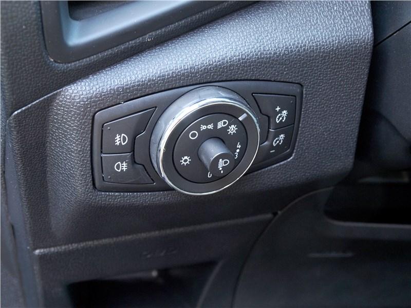 Ford EcoSport 2018 регулировка фар