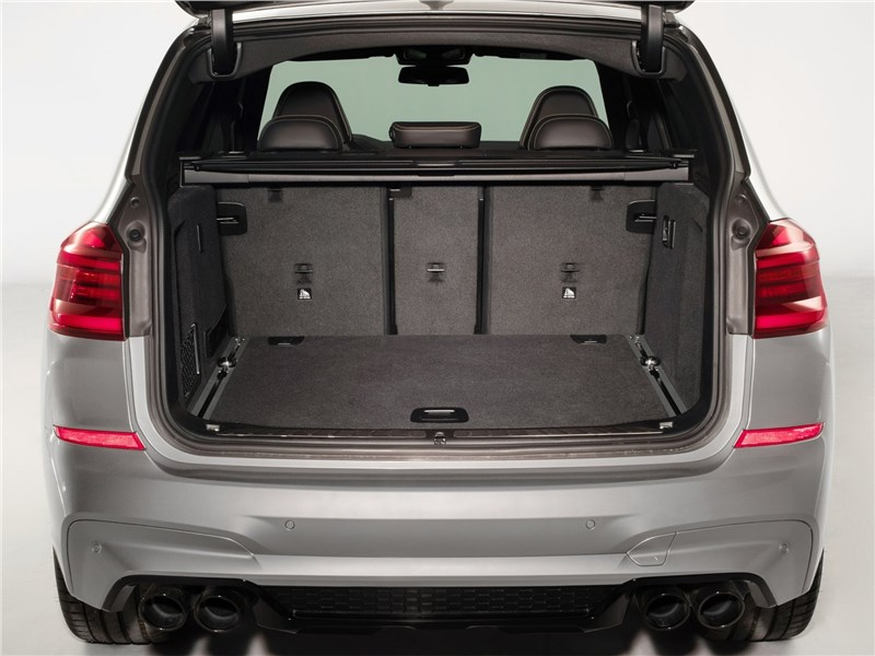 BMW X3 M Competition 2020 багажное отделение