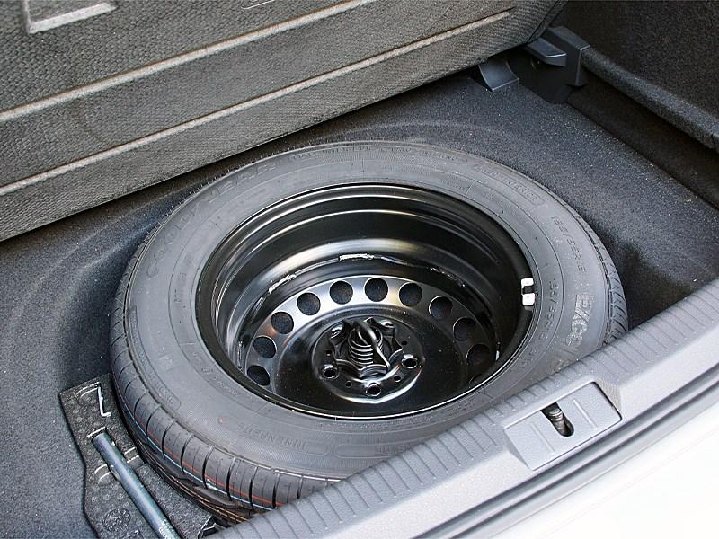 Volkswagen Golf VII 2013 запасное колесо