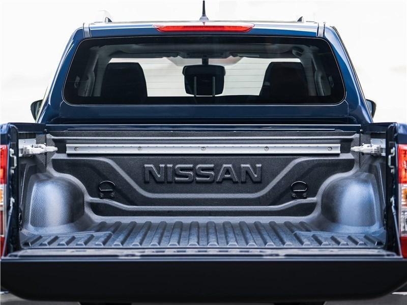 Nissan Navara 2020 багажное отделение