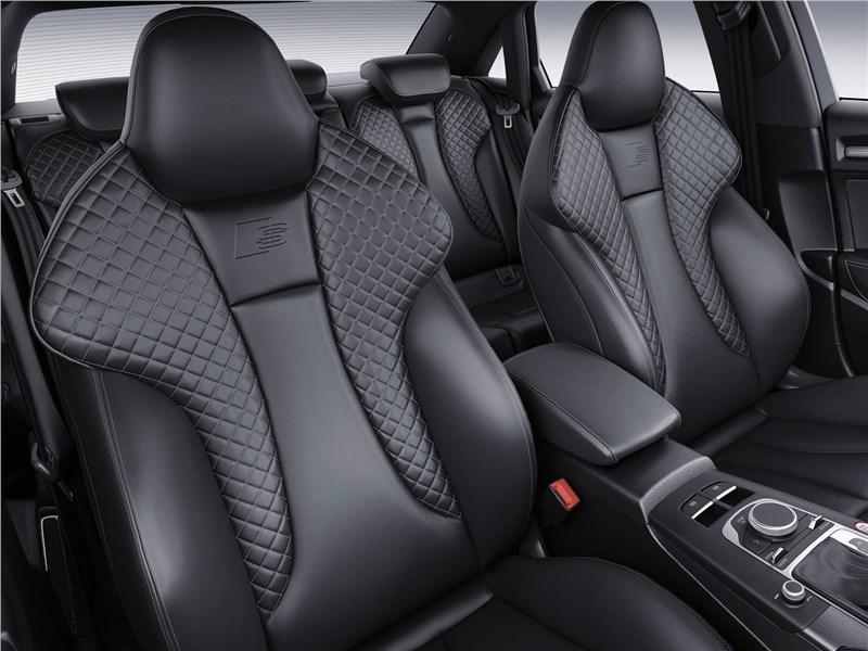 Audi S3 2017 передние кресла
