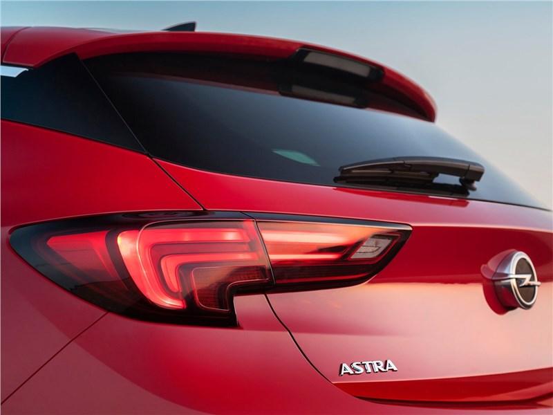 Opel Astra 2016 задний фонарь