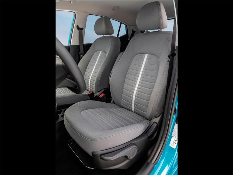Hyundai i10 2020 передние кресла