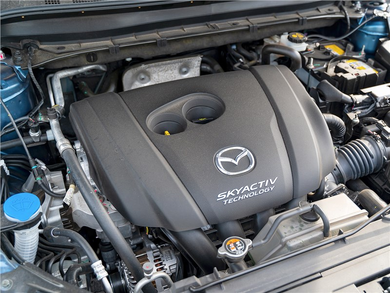 Mazda CX-5 2017 моторный отсек