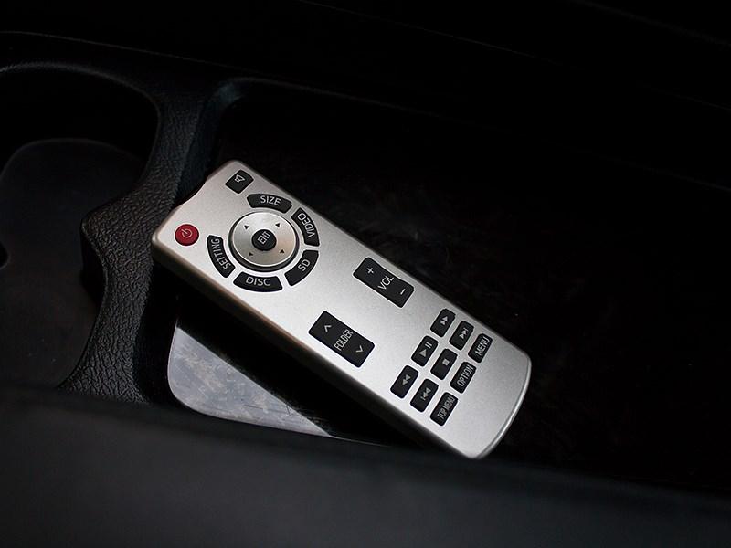 Toyota Alphard 2008 ДУ мультимедийной системой