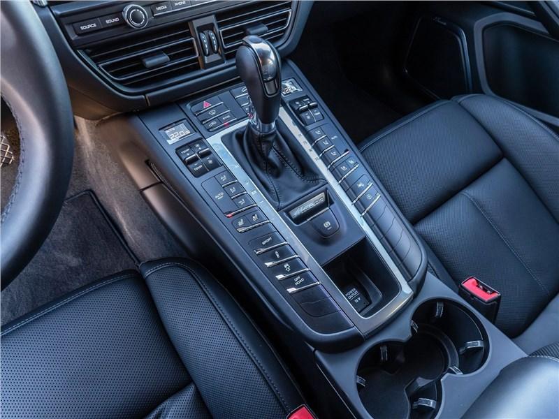Porsche Macan 2019 центральный туннель