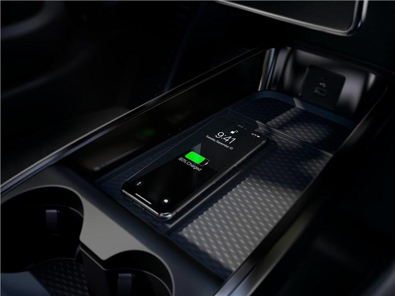 Ford Mustang Mach-E 2021 зарядка для телефона
