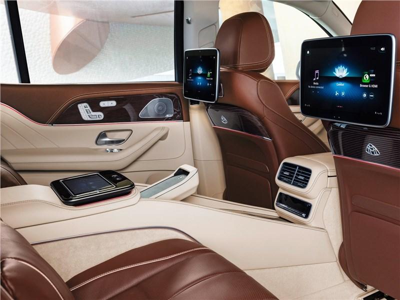 Mercedes-Benz GLS 600 Maybach 2021 кресла для пассажиров