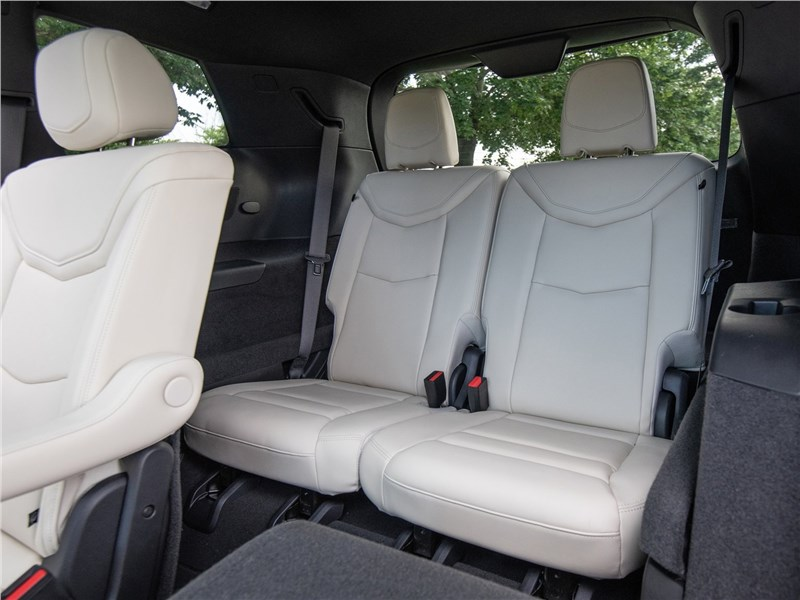 Cadillac XT6 2020 третий ряд