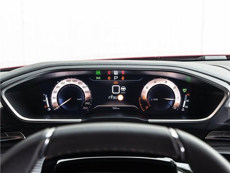 Peugeot 508 2019 приборная панель