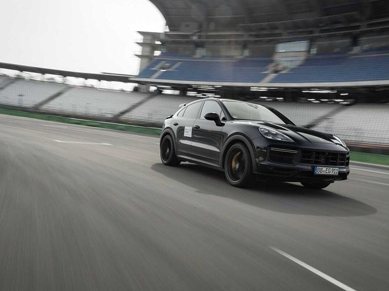 Porsche готовится представить очень мощный Cayenne