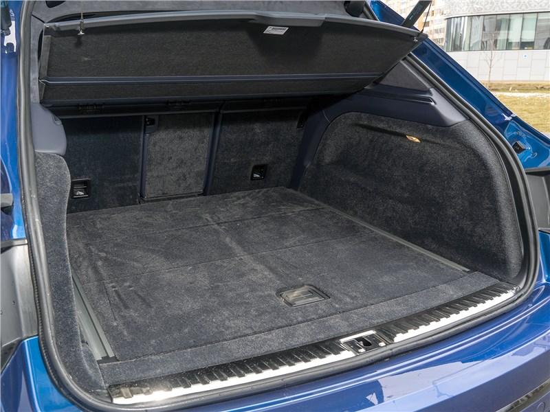 Bentley Bentayga Speed 2020 багажное отделение