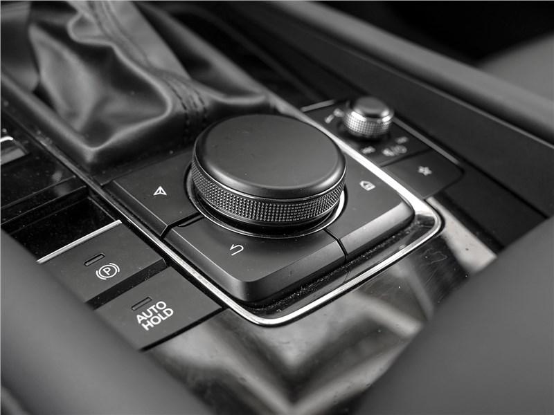 Mazda 3 2019 управление мультимедиа