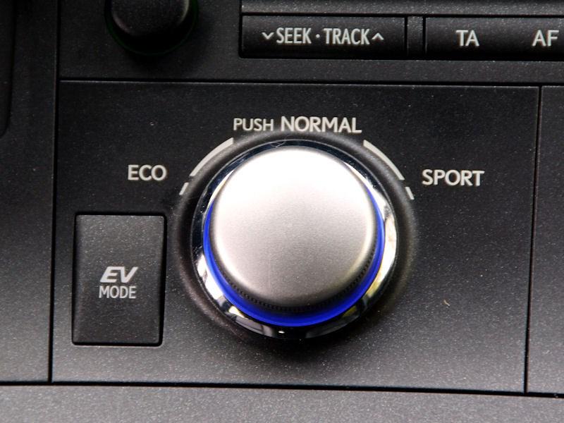 Lexus CT 200h 2011 выбор режима