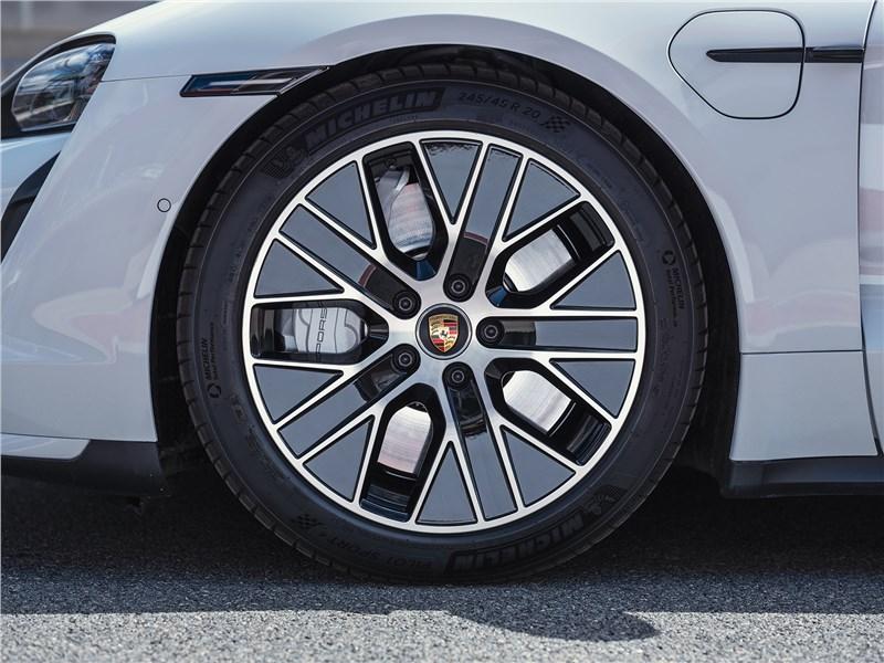 Porsche Taycan 2020 колесо