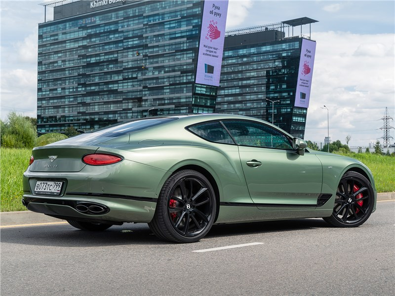 Bentley Continental GT V8 (2020) вид сзади