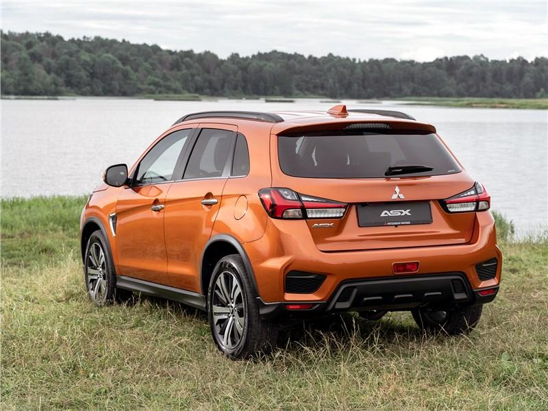 Mitsubishi ASX 2020 вид сзади